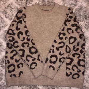 Super Comfy Cheetah Sweater!!